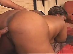 Attractive ebony gets pussy banged